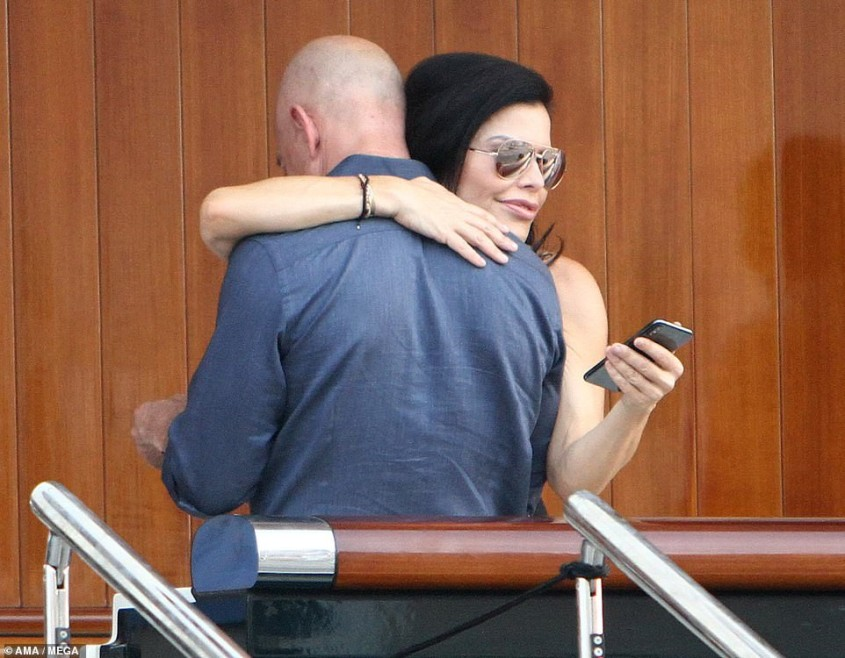 Jeff Bezos on vacation with his girlfriend, Lauren Sanchez in Venice.