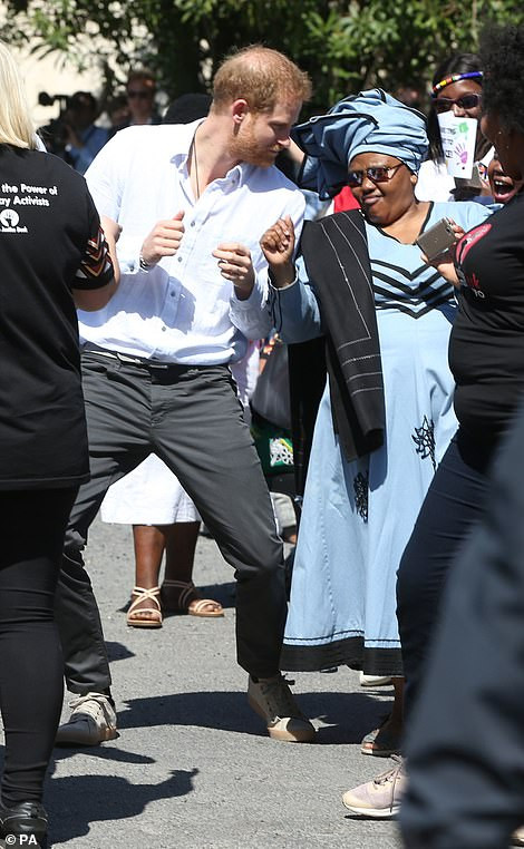 Harry & Meghan visits 'South Africa's murder capital'.