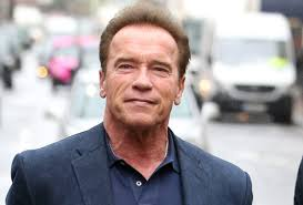 Arnold Schwarzenegger shares a new photo of himself with Jackie Chan (seephoto)